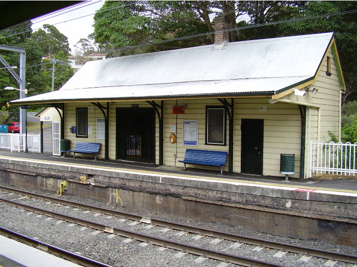 The station building on the up platform of Austinmer station.