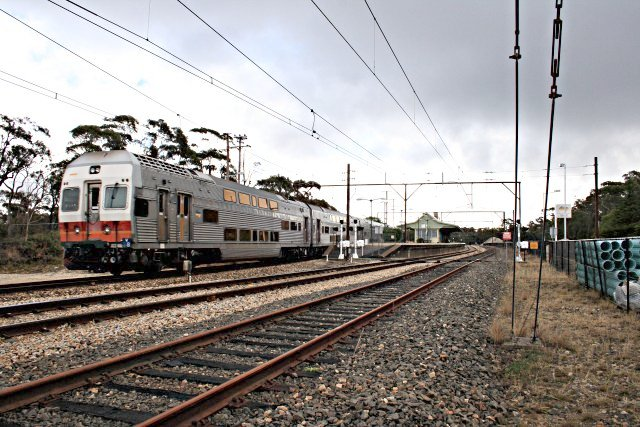 The view looking west as a Lithgow-bound train races through Bell.