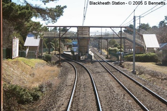 The view approaching the Sydney end of Blackheath station on a west-bound service.
