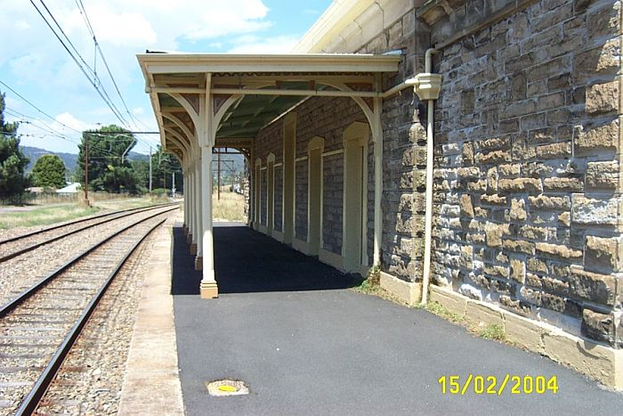 The view looking along the platform in the direction of Sydney.