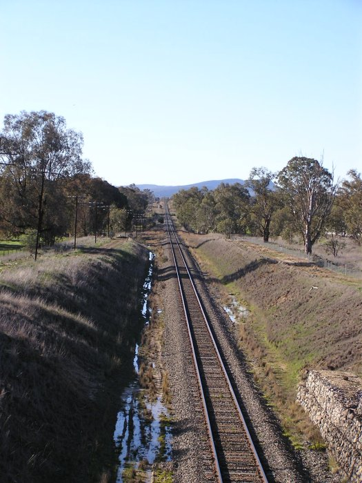Looking north from Billy Hughes Bridge which carries the old Hume Highway (Wagga Road) over the Main South Line at Ettamogah.