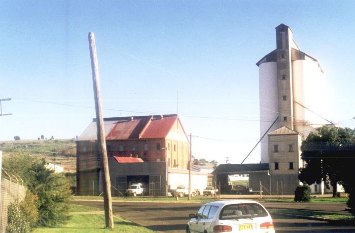 The road-side view of the silos at Gunnedah.