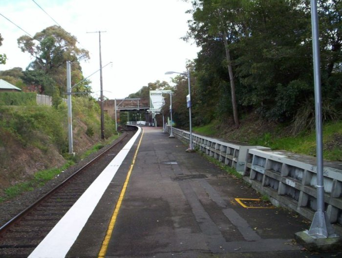 Kirrawee platform, as viewed looking towards Sutherland.