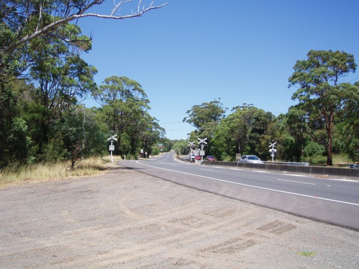 The view looking south where The Royal National Park Branch crosses the Princes Highway.