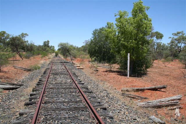 The view looking back up the line towards Nyngan.