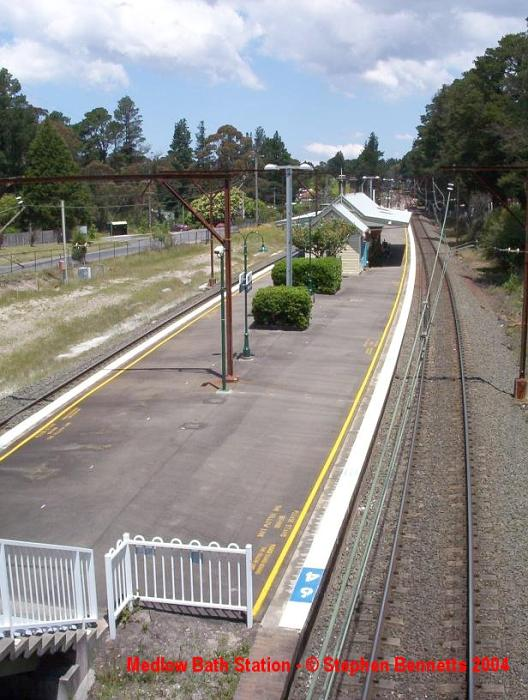 The view looking towards Sydney along the down platform.