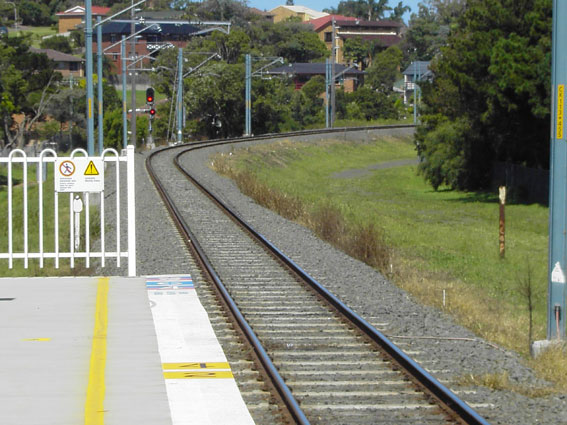 The view looking beyond the southern end of the platform towards Nowra.