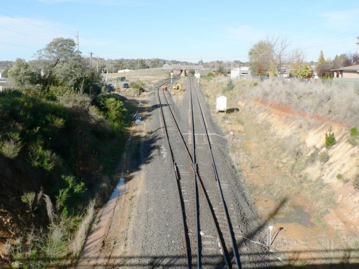 The view looking east from the West Fork junction. The line on the left leads to Orange and the Main West. On the right, the line leads to Sydney.