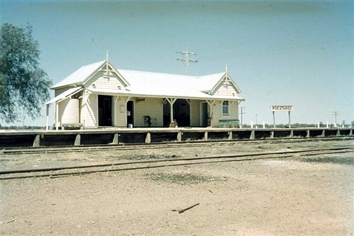 A view of the remote terminus station 7 years before it closed.