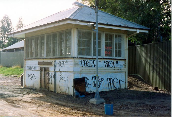 The platform-mounted Rosehill signal box (now demolished), looking towards Camellia.