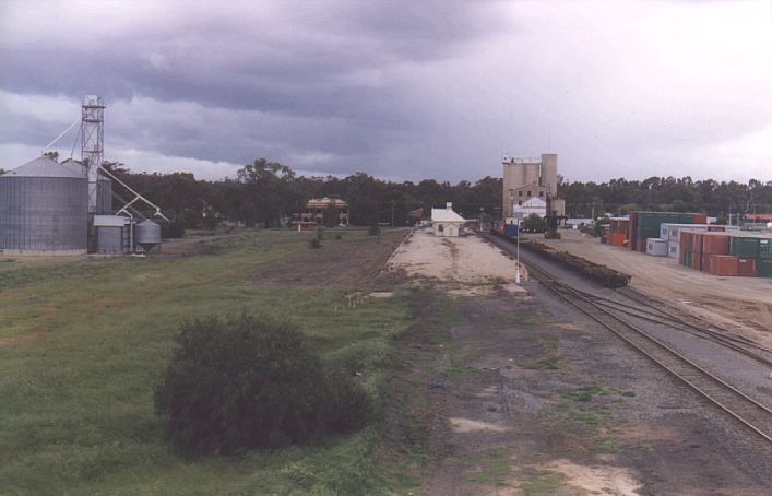 Tocumwal station from the north.  The lines to the right are the broad gauge line from Victoria.  They are used for container transfer and picking up grain, from silos approx 1 km to the north-east.  The area to the left housed the standard gauge yard.