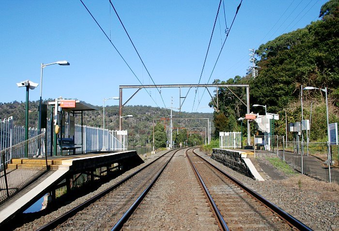 The view looking toward Sydney, showing the station platforms.
